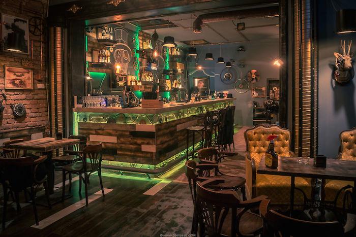Idee Per Interni Bar : Arredamento bar
