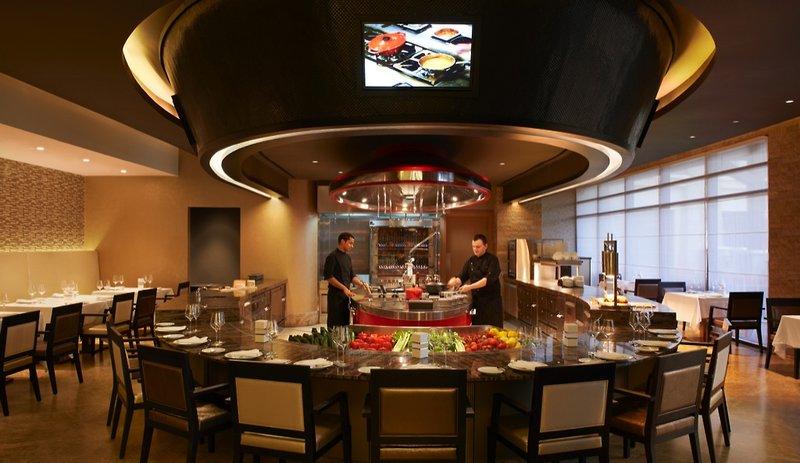 Cucina a vista i vantaggi per hotel e ristoranti for Cucina aperta