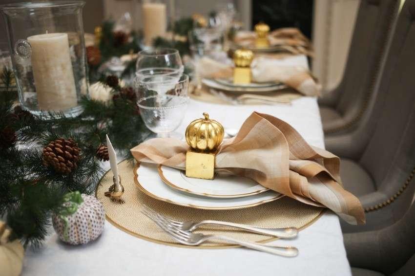 Mise en place di natale come allestire le tavole di hotel - Decorazioni tavola natale ...