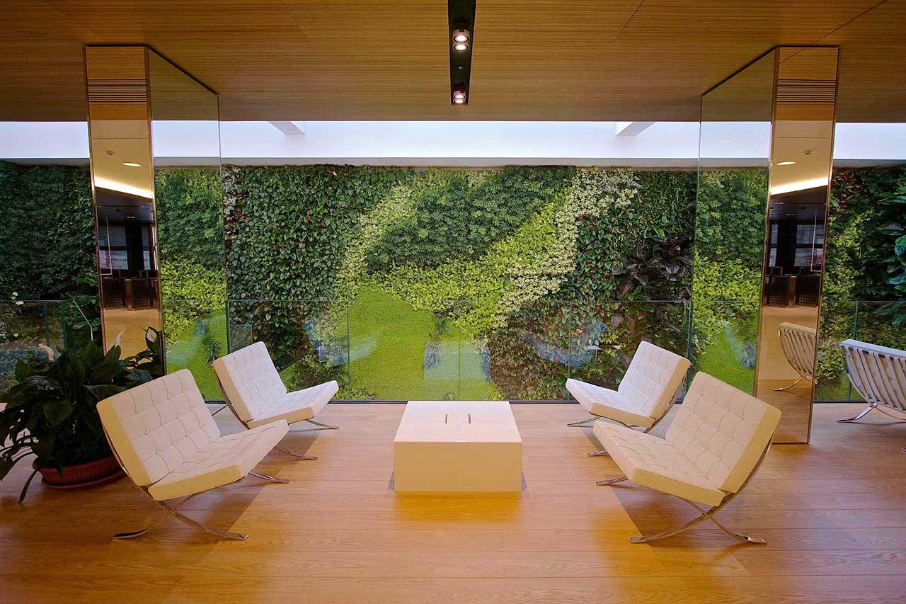 Pareti Verdi Verticali Costi giardino verticale per hotel e ristoranti. un'idea originale